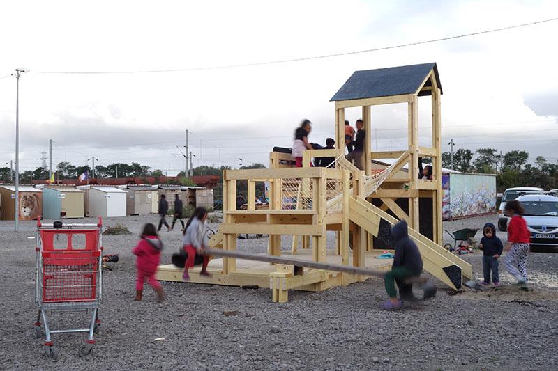 Playground à la frontière